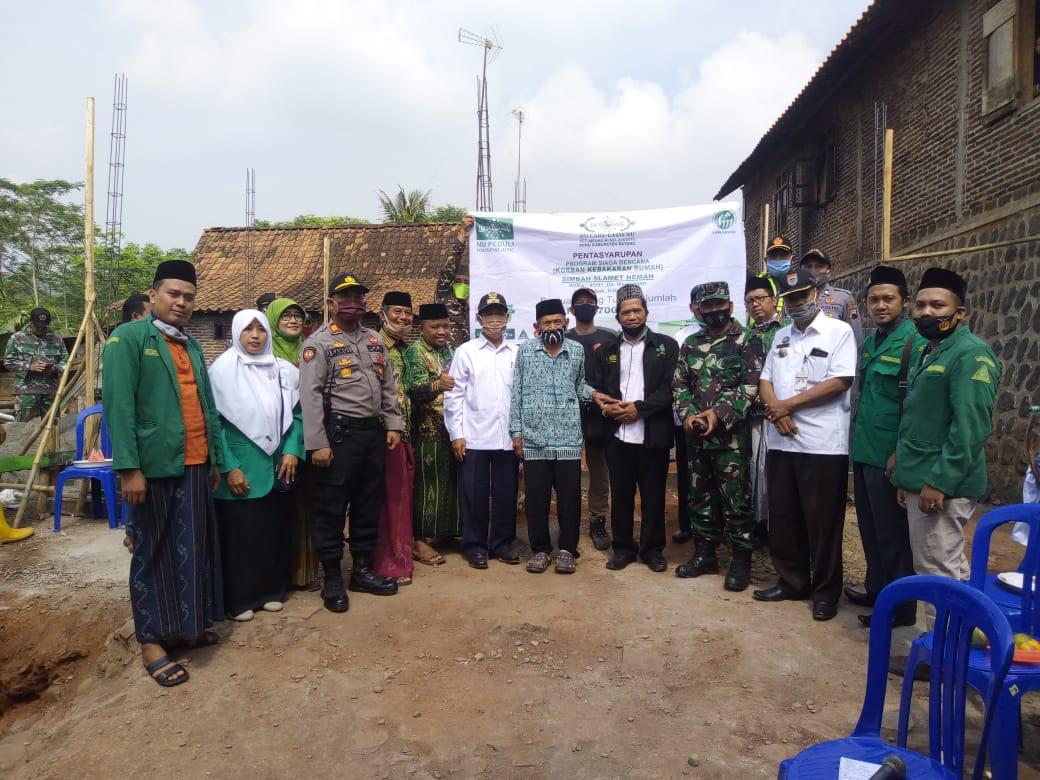 NU CARE-LAZISNU Batang Bantu Korban Kebakaran Rumah di Desa Menjangan Subah